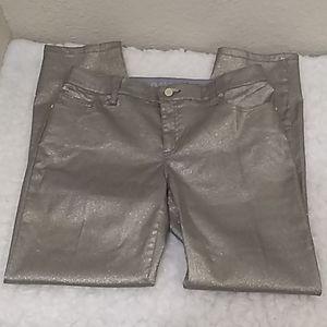 Chico's platinum Pants Size 1.5